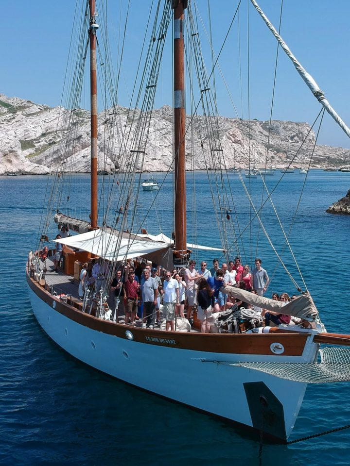 Kairos Travel Boat